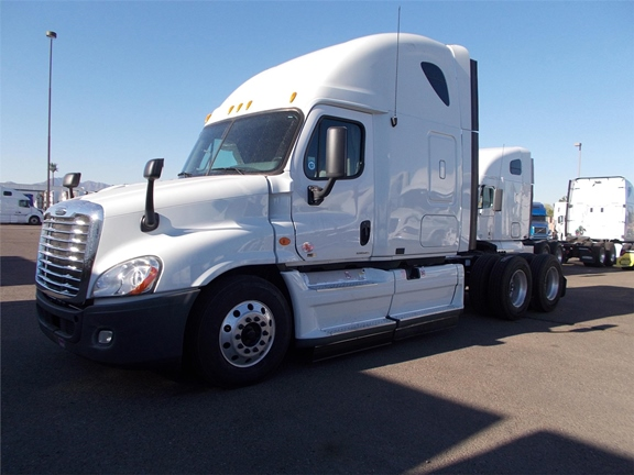 2013 Freightliner Cascadia 64 Inch Double Bunk Sleeper